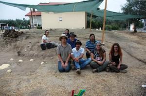 rsz_terminou_a_primeira_fase_do_projecto_arqueolÓgico_neomega_com_as_escavaÇÕes_na_orca_da_lapa_do_lobo