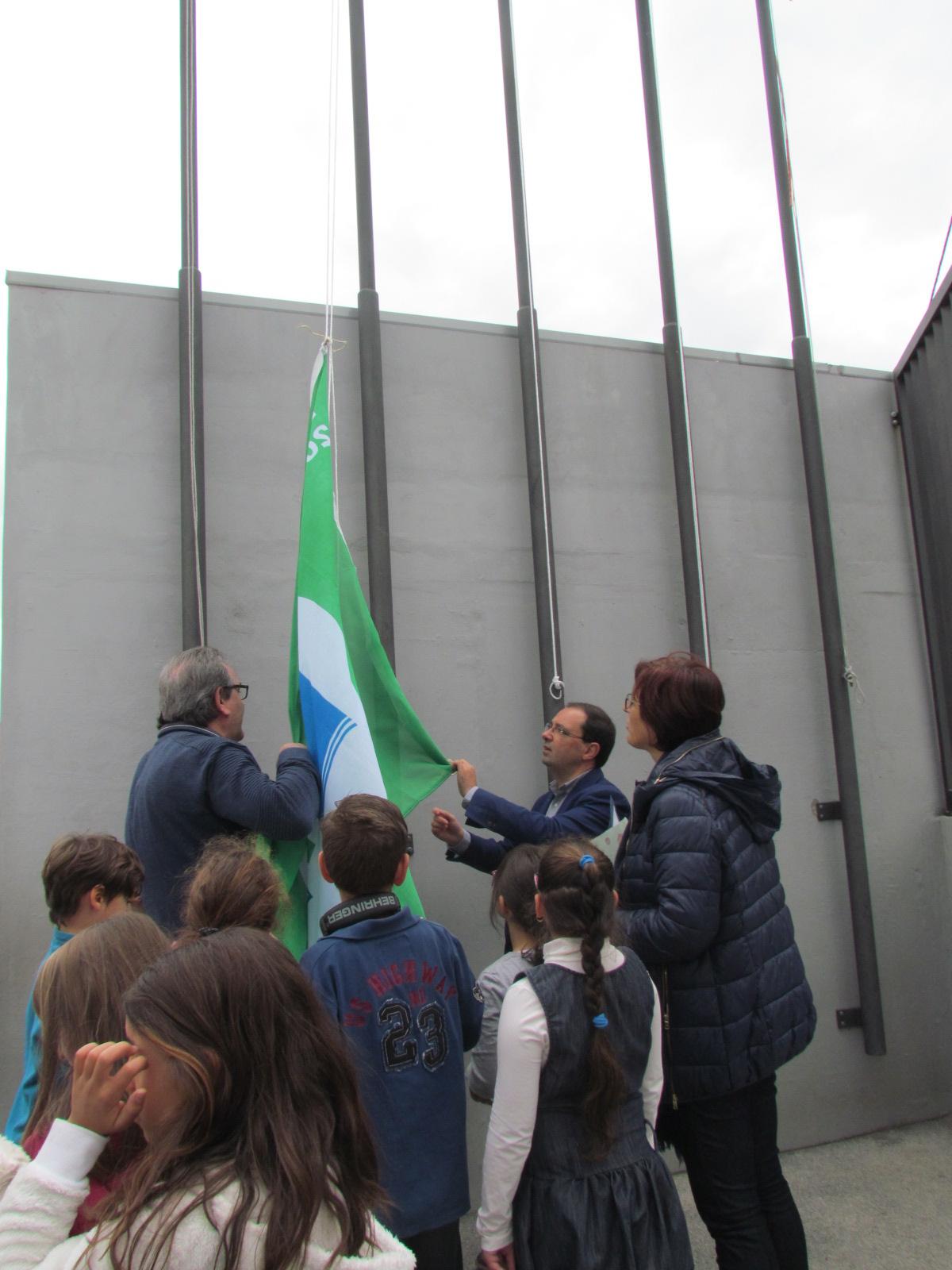 Bandeira Verde hasteada pela 4.ª vez consecutiva na EB1 de Arganil