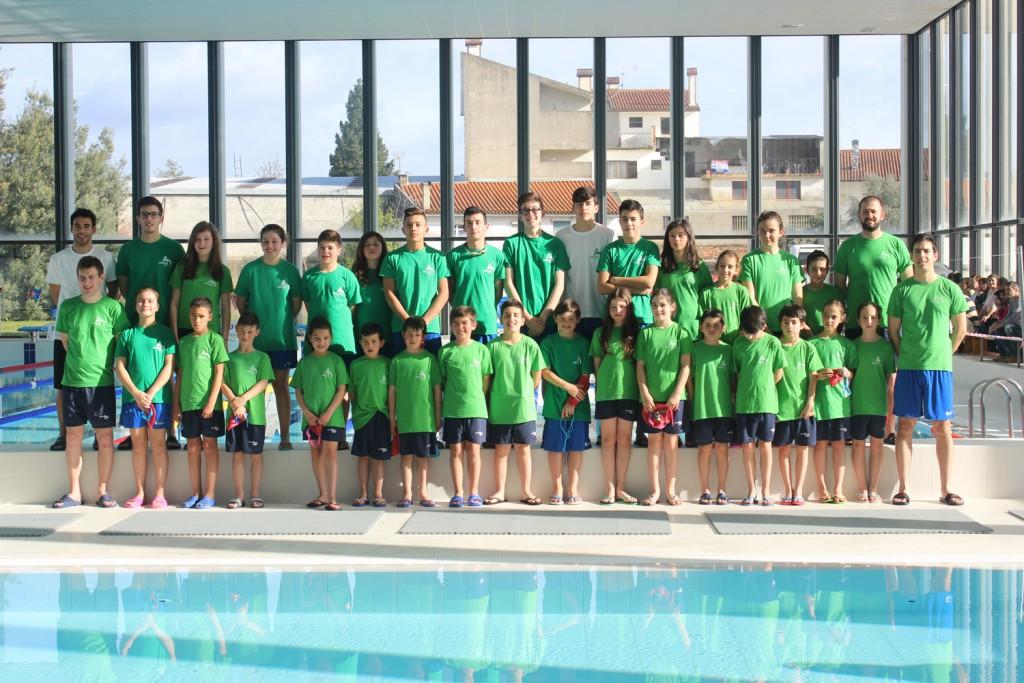 Equipa de competição da Escola Municipal de Natação Arganil em destaque nos Prémios Nadador do Ano da época 2016/17