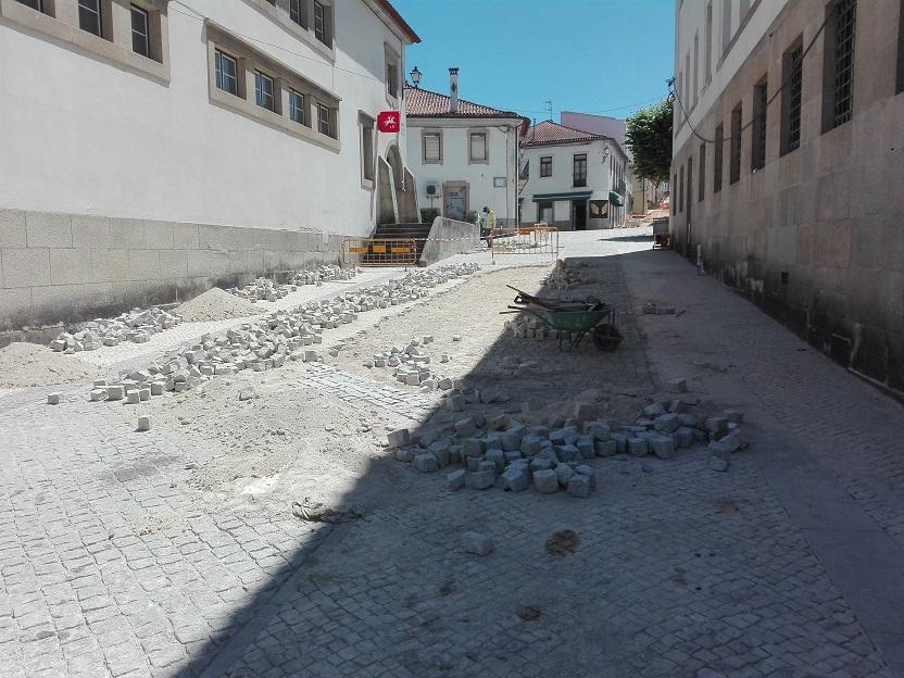 Requalificação do Espaço Urbano Público da Vila de Arganil  – Suspensão da empreitada