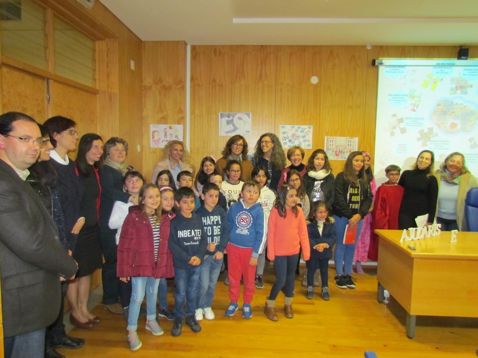 """Agrupamento de Escolas de Arganil participa no livro """"Ajudaris 17 – Histórias de Encantar"""""""